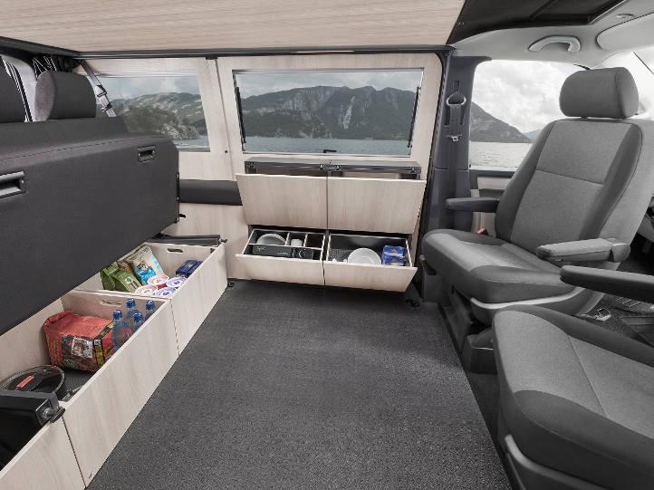 VW T6 Purist mit Stauboxen und Staufächern
